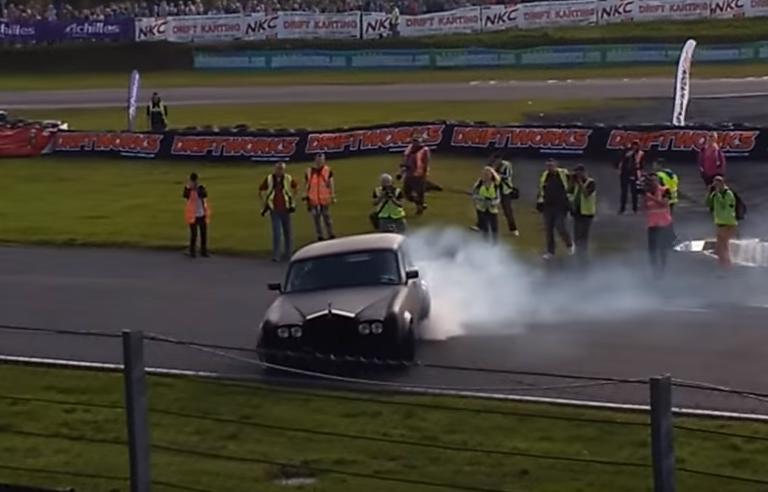 Rolls Royce Making Smoke